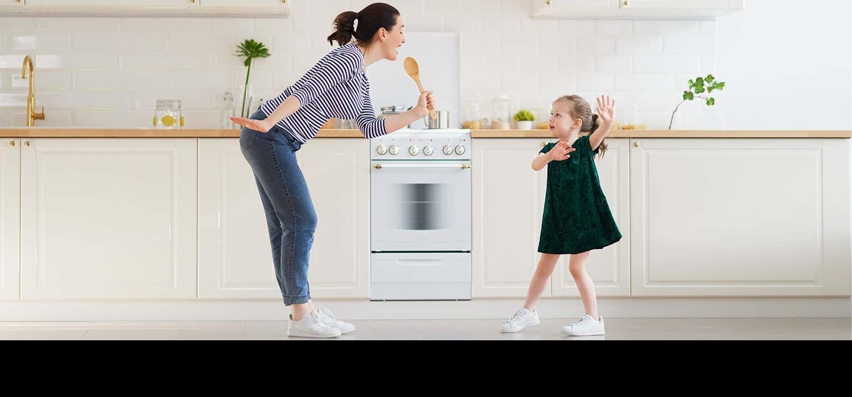 Мајка и ќерка се забавуваат